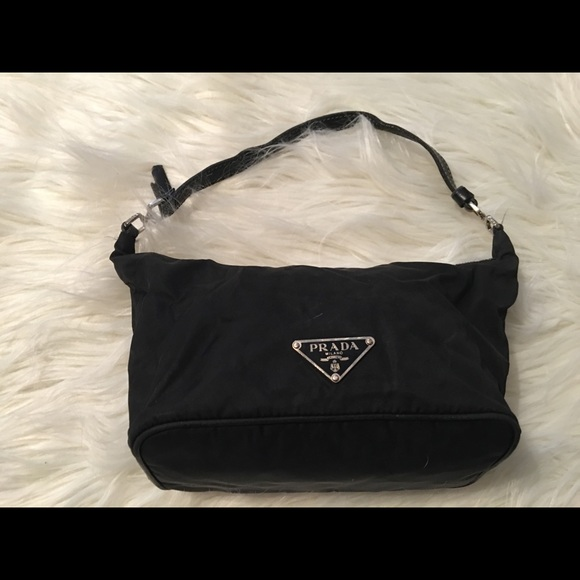 29ab47c6d861 Small Authentic black nylon PRADA bag. M 5ab6c67f31a37691bf0b5c55